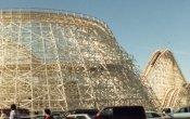 fotos de la montaña rusa Colossus en el parque temático Six Flags Magic Mountain