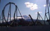 fotos de la montaña rusa Takashiba en el parque temático Fuji-Q Highland