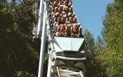 fotos de la montaña rusa Revolution en el parque temático Six Flags Magic Mountain