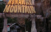 photos of Runaway Mountain roller coaster in Six Flags Over Texas theme park