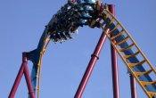 fotos de la montaña rusa Scream! en el parque temático Six Flags Magic Mountain