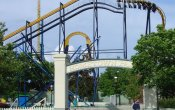 photos of Batman The Ride roller coaster in Six Flags Great America theme park