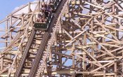 photos of Viper roller coaster in Six Flags Great America theme park