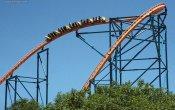 fotos de la montaña rusa Goliath en el parque temático Six Flags Magic Mountain
